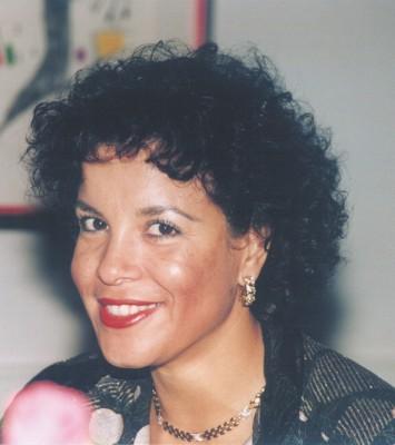 Bresinski, Esther